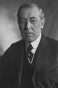 200px-Thomas_Woodrow_Wilson,_Harris_&_Ewing_bw_photo_portrait,_1919.jpg