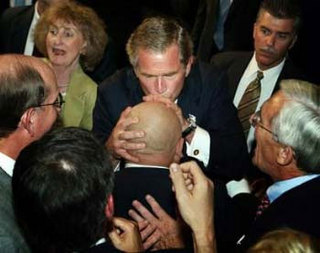 bush_kisses_gannon.jpg
